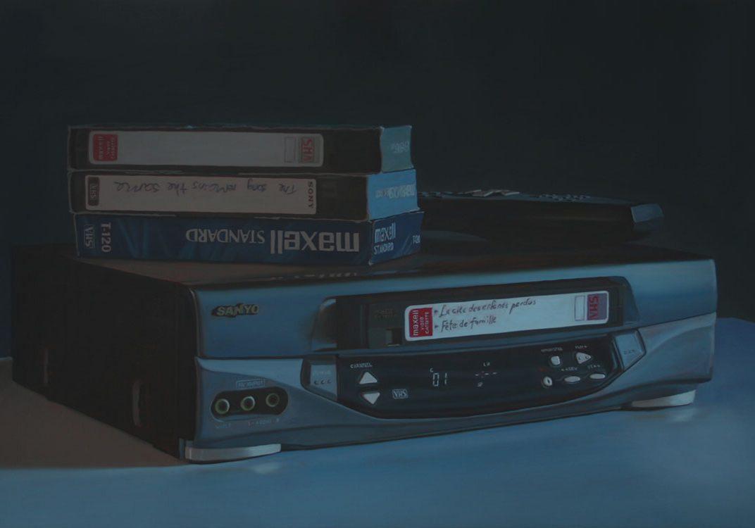"""VHS Blues (Sanyo), huile sur toile, 100 x 168 cm (39"""" x 66""""), 2011"""